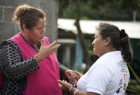 Qui sopra e nelle foto sottostanti: Messico, l'impegno della Caravana de Madres Centroamericanas buscando a sus migrantes desaparecidos (foto Caravana 2014).