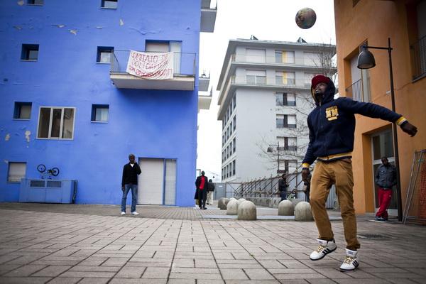 Torino: l'ex Villaggio olimpico occupato.